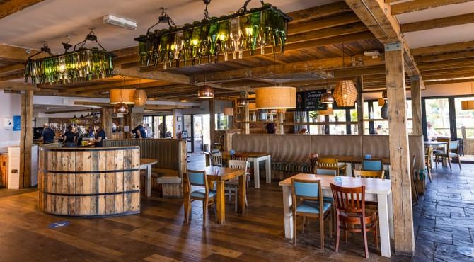 12 food and drink venues at Devon Cliffs
