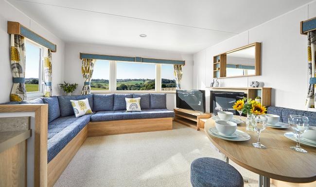 Handpicked-1---2021-ABI-Horizon-lounge